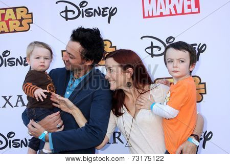 LOS ANGELES - OCT 1:  Stephen Full, Annie Wersching, Ozzie Wersching Full, Freddie Wersching Full at the VIP Disney Halloween Event at Disney Pop Up Store on October 1, 2014 in Glendale, CA