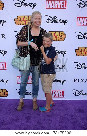 LOS ANGELES - OCT 1:  Melissa Peterman, Riley David Brady at the VIP Disney Halloween Event at Disney Consumer Product Pop Up Store on October 1, 2014 in Glendale, CA