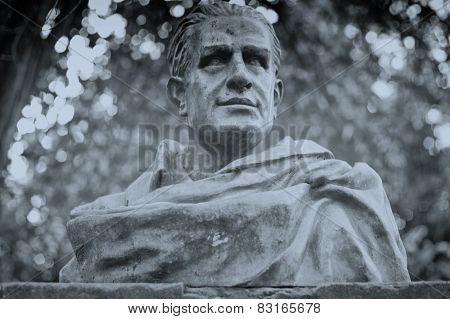 Luis Chamizo Sculpture