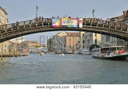 The Academy Bridge In The Grand Canal