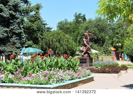 EVPATORIA RUSSIA - JULY 15 2016: Monument Ashik Omer in the park