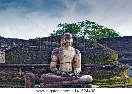 Polonnaruwa Vatadage Ruins Statue In Polonnaruwa City Temple Sri Lanka. World Heritage Convention, U
