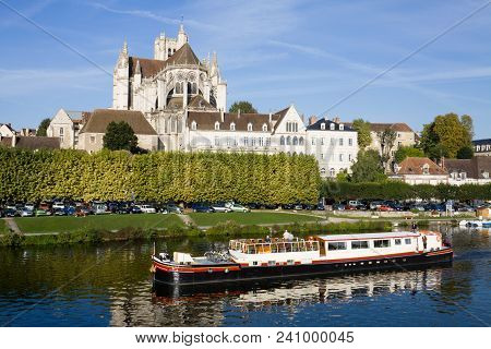 Auxerre, France - September 13, 2010: Auxerre Cityscape With Saint-etienne Cathedral And Yonne River