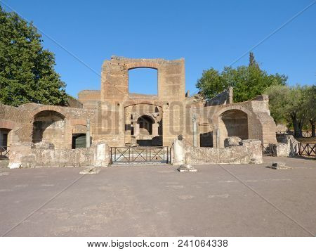 The Ruins And Remains Of An Ancient Roman City Of Lazio - Italy 0148 B