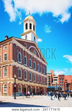 Boston, Usa - April 28, 2015: Faneuil Hall In Government Center In Downtown Of Boston, Massachusetts