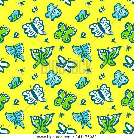 Seamless Pattern With Cute Butterflies. Background With Funny Insects In Doodle Sketchy Style. Vecto