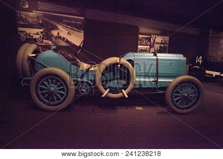 Naples, Florida, Usa - May 5, 2018:  Blue 1908 Mors Grand Prix Car Displayed At The Revs Institute I