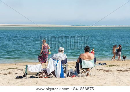 Inverloch, Australia - January 27, 2018: Beachgoers On Inverloch Beach, A Popular Seaside Holiday To