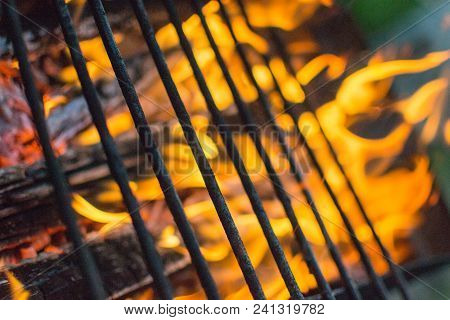 Grill Grill Grill Fire Picnic Close - Up Flame