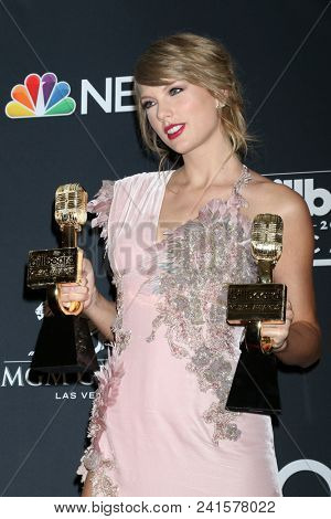 LAS VEGAS - MAY 20:  Taylor Swift at the 2018 Billboard Music Awards at MGM Grand Garden Arena on May 20, 2018 in Las Vegas, NV