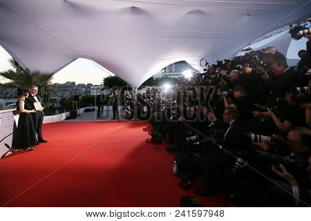 Atmosphere attends the photocall the Palme D'Or Winner during the 71st Cannes Film Festival at Palais on May 19, 2018 in Cannes, France.