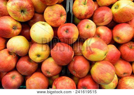 Full Frame Shot Of Red Apples Horizontal Shot