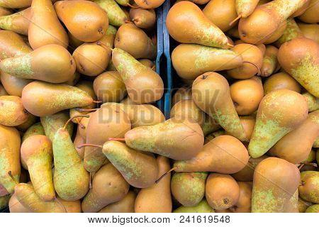 Full Frame Shot Of Pears Horizontal Shot