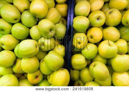 Full Frame Shot Of Green Apples Horizontal Shot