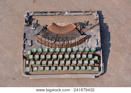 Photo Picture Of A Classic Rusty Old Vintage Typewriter