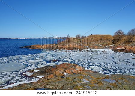 Suomenlinna (sveaborg), Unesco World Heritage Site, One Of The Most Popular Tourist Attractions In H