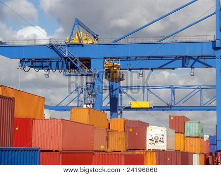 Container terminal fragment