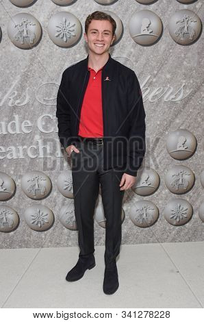 LOS ANGELES - DEC 07:  Richard Ellis arrives for the Brooks Brothers Holiday Celebration Honoring St. Jude on December 07, 2019 in West Hollywood, CA