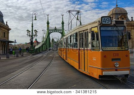 Budapest, Hungary-01 October, 2019: Picturesque Autumn Landscape. Scenic View Of Liberty Bridge (fre