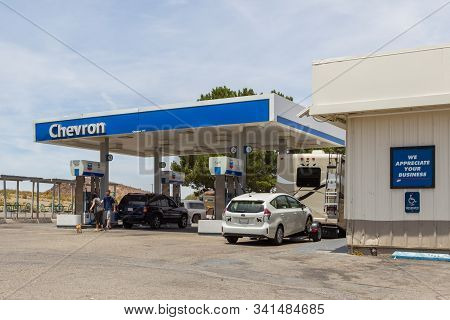 Newberry Springs, California, Usa- 30 May 2015: Chevron Gas Station On National Trails Highway, Rout