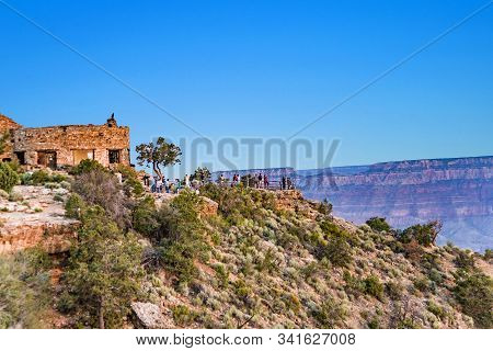 Grand Canyon, Usa - July 10, 2008: People Enjoy The View From Yaki Point To The Grand Canyon Valley