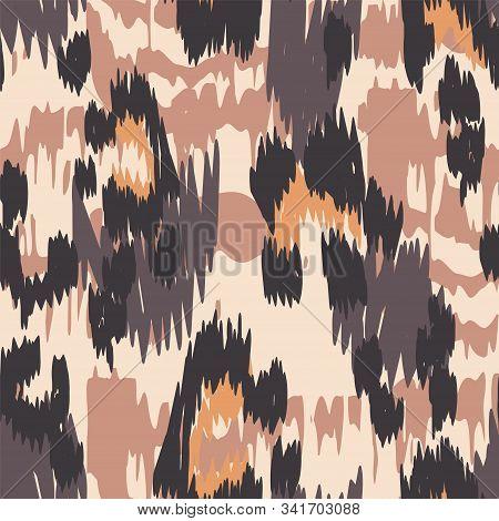 Burnt Cheetah Crumpled Vector Seamless Pattern. Yellow Crumpled Cheetah Handmade Tile Art Designs. S