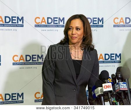 Long Beach, Ca - Nov 16, 2019: Presidential Candidate Kamala Harris Speaking At The Democratic Party