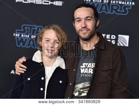 LOS ANGELES - DEC 16:  Pete Wentz and Bronx Wentz arrives for the 'Star Wars: The Rise of Skywalker' Premiere on December 16, 2019 in Hollywood, CA