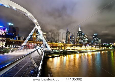 Southbank Pedestrian Bridge, Melbourne in the night
