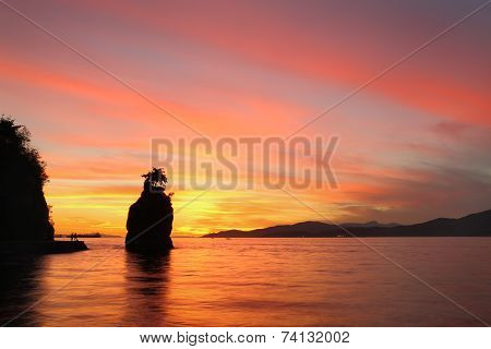 Siwash Rock Sunset, Stanley Park, Vancouver