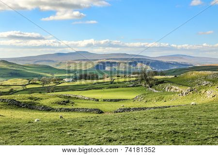 Beautiful Yorkshire Dales Landscape Stunning Scenery England Tourism Uk Green Rolling Hills