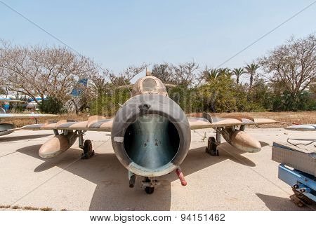 Mikoyan-gurevich Mig-15 - Jet Fighter Aircraft