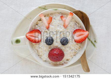 Rudolph The Red Nosed Reindeer Porridge Oatmeal Breakfast , Fun Christmas Food Art For Kids