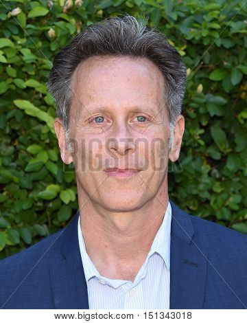 LOS ANGELES - SEP 25:  Steven Weber arrives to the The Rape Foundation Annual Brunch on September 25, 2016 in Hollywood, CA