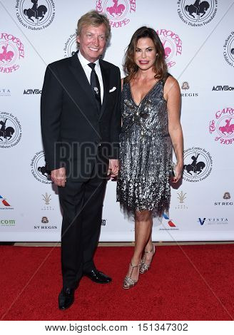 LOS ANGELES - OCT 8:  Nigel Lythgoe arrives to the Carousel of Hope 2016 on October 8, 2016 in Hollywood, CA