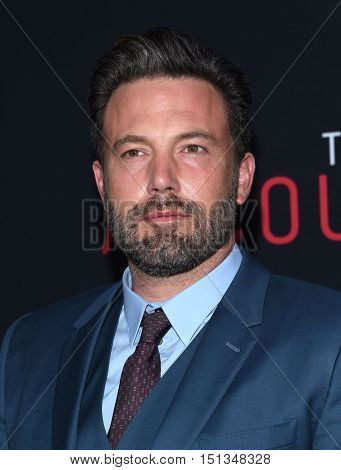 LOS ANGELES - OCT 10:  Ben Affleck arrives to