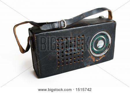 Radio viejo en un estuche de piel