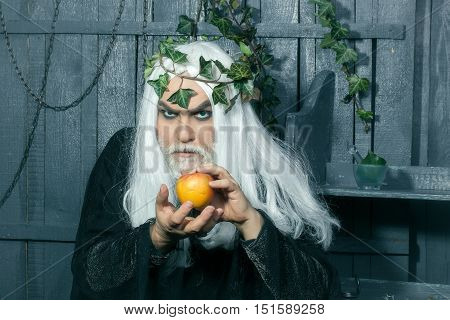 Zeus With Apples