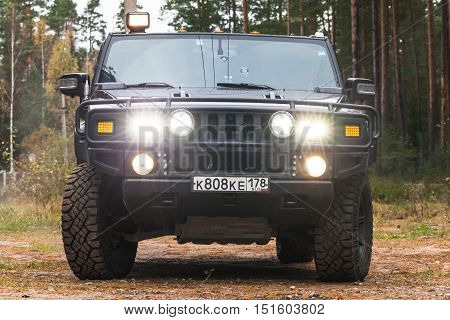 Black Hummer H2 Car, Front View