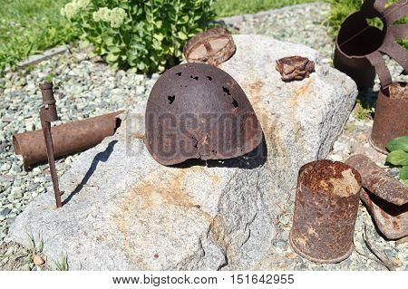 Artifacts War Helmet