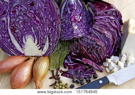 cooking blue cabbage in a traditional german way