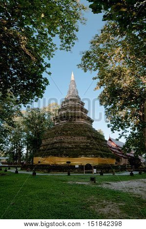 Wat Che Di LuangThis temple with its large chedi was probably the city's main temple during the city's heyday 650 years ago.Located in Chiang saen districtChiang RaiThailand.