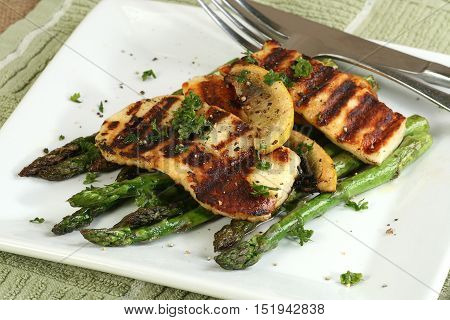 grilled halloumi and asparagus with lemon and parsley