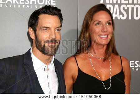 LOS ANGELES - OCT 13:  Tony Horton, guest at the