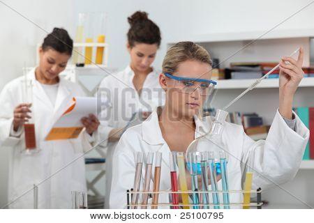 Women working in a scientific laboratory