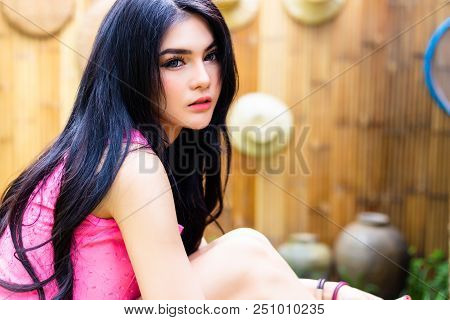 Portrait Charming Beautiful Woman. Attractive Beautiful Women Feels Relaxing And Happiness When Glam