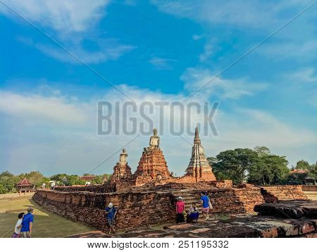 On April 1, 2018 At The Wat Chaiwatthanaram Temple In Ayuthaya Historical Park, A Unesco World Herit