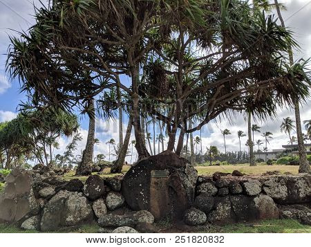 Hikinaakala Heiau - Only The Foundation Remains Of This Temple, Believed To Be One Of The Early Sacr