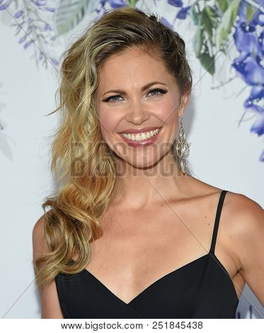 LOS ANGELES - JUL 26:  Pascale Hutton arrives to the Hallmark Channel Summer TCA Event  on July 26, 2018 in Hollywood, CA
