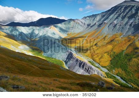 It's A Very Beautiful Altay Mountains_01